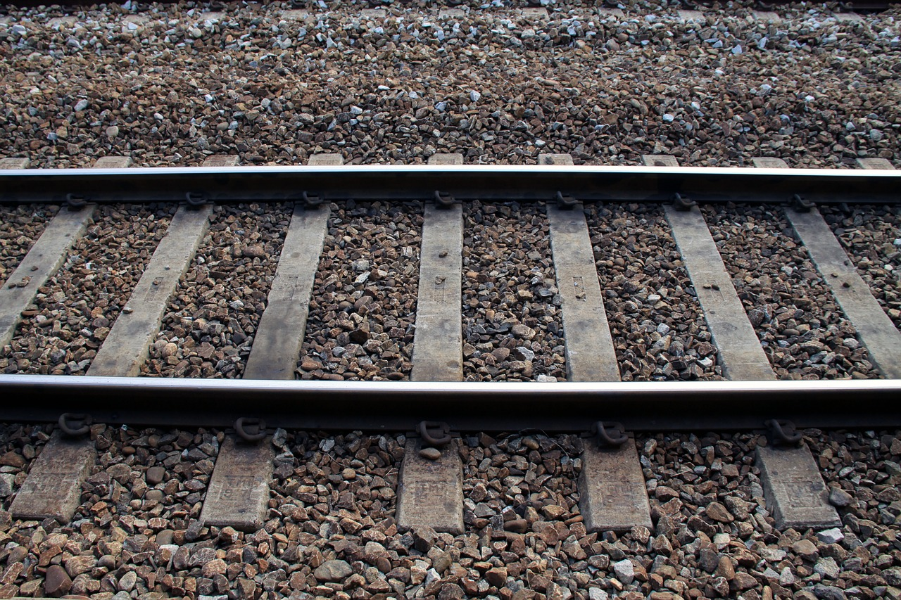 train-1276238_1280